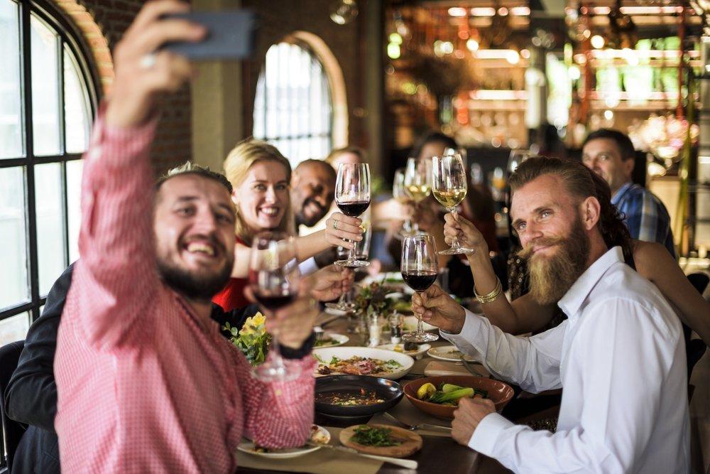 Restaurant Scene.jpg