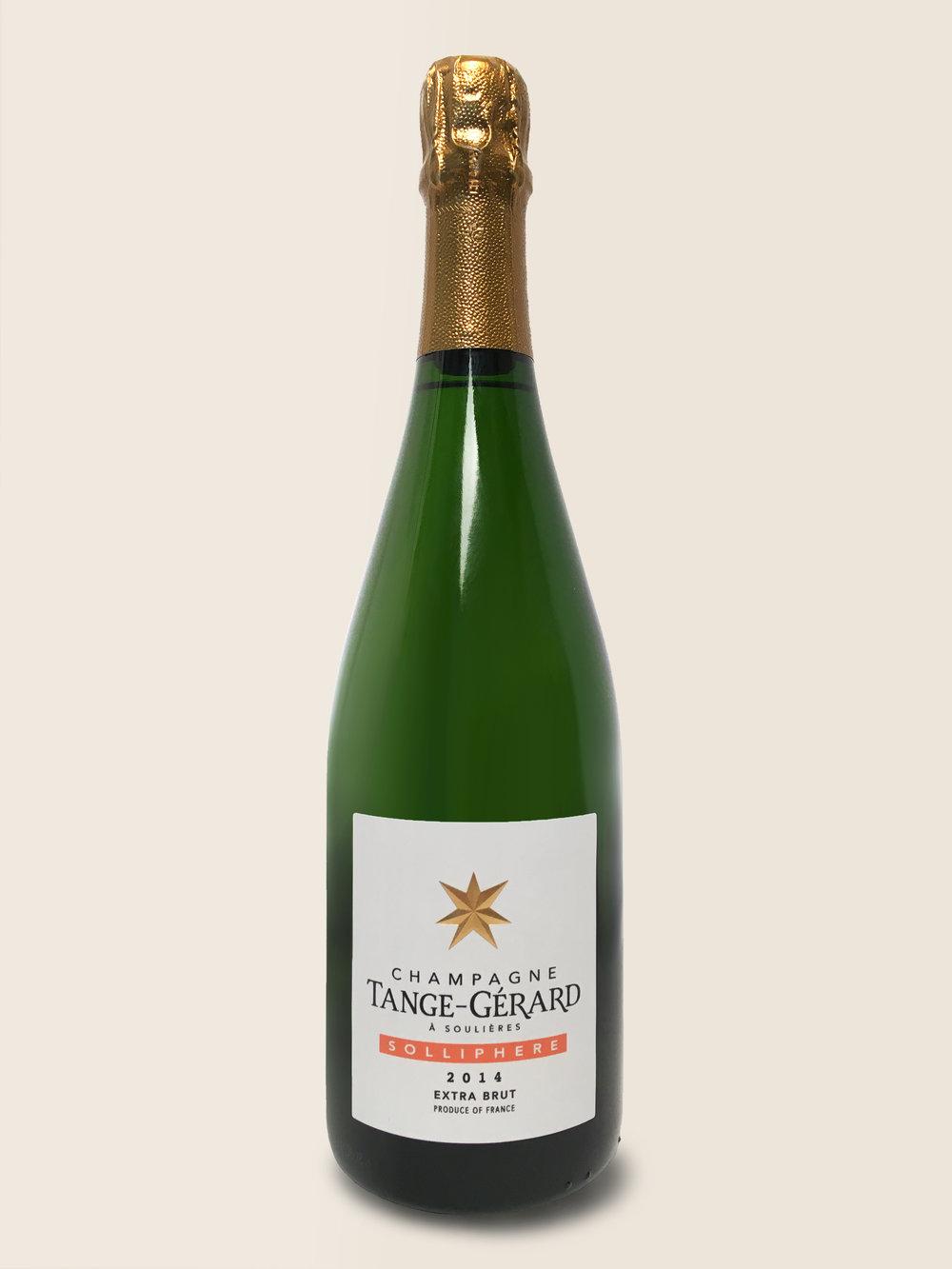 Solliphere - Solliphere est un champagne parcellaire, élaboré avec 100% Chardonnay du millésime 2014. Ce champagne de Tange-Gérard propose un équilibre attractif entre douveur fruité et une acidité modérée qui reflète l'année.