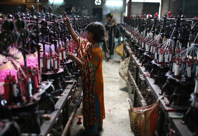 What are the human impacts of fast fashion? -