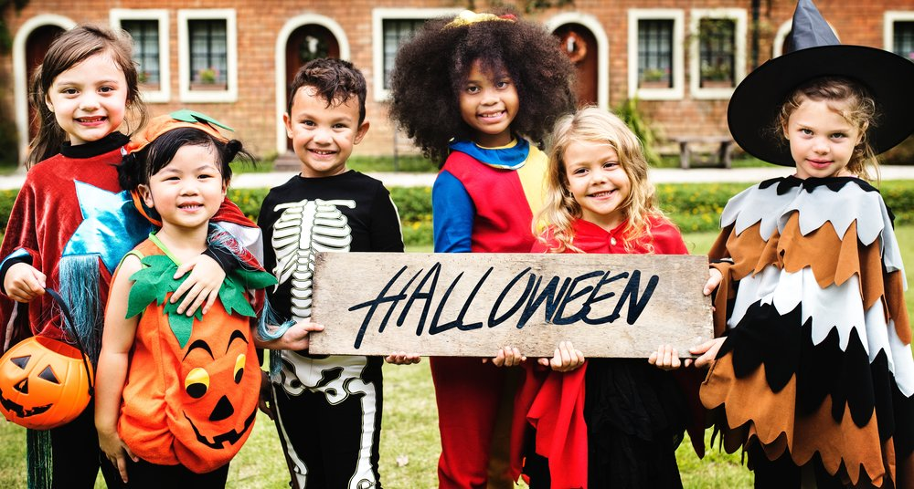 costumes, accessories, and decorations - Photo by rawpixel on Unsplash