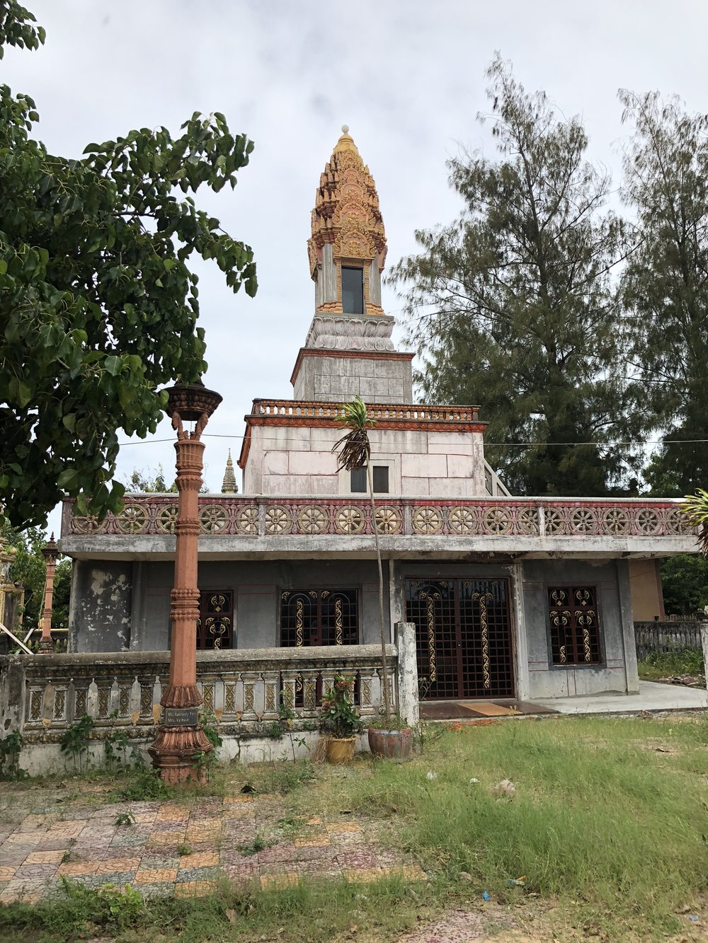 65 phnom penh chedi built by king sihanouk wat nguon pich 2018.jpg