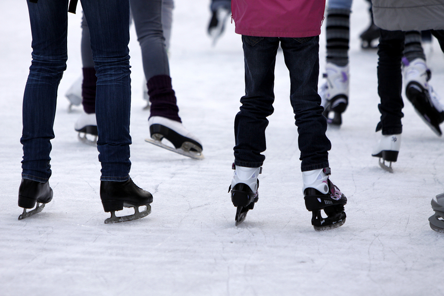 Ice-Skating-22657418-1.jpg