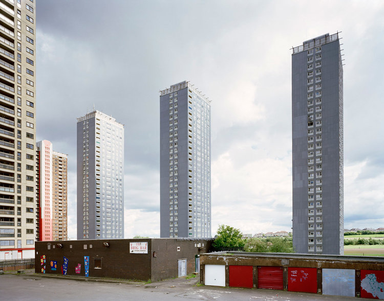 brig-bar-red-road-flats-glasgow-c-alex-currie-2010.jpg