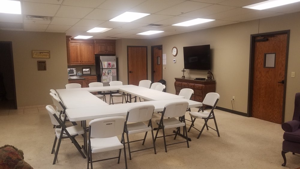 Parlor - This is a great space for business meetings or small gatheringsCost for Non-Members$25Cost for non-profit organizations, schools, and membersNo cost