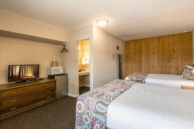 Vintage Double Queen Room in Estes Park