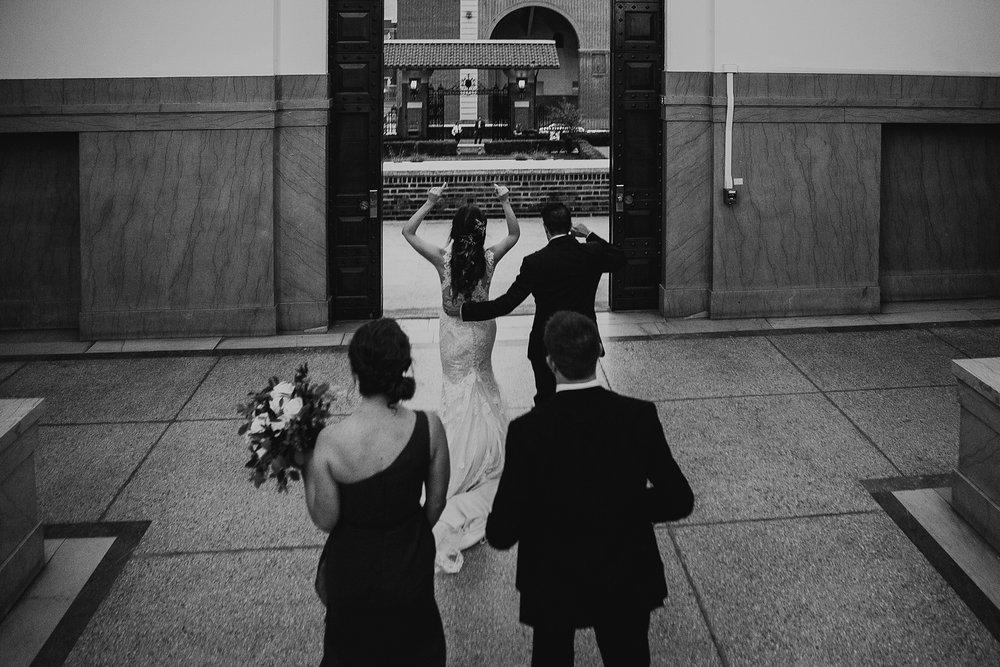 01_Love_by_Joe_Mac_Best_Wedding_Photography_Philadelphia_Penn_Museum_Univerity__0063.jpg