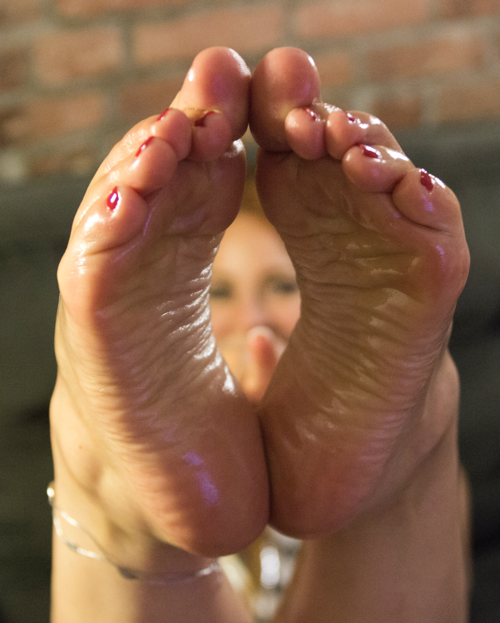 Smooth operator oily soles.png