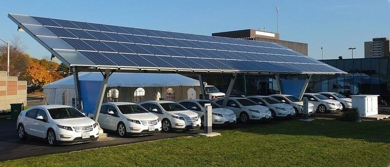 EV+solar.jpg