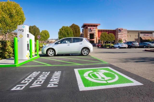 nrg-evgo-electric-car-charging-station_100499146_m.jpg