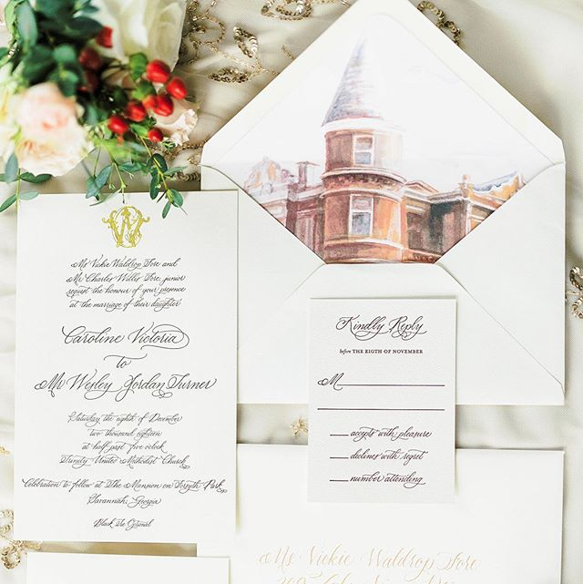 Mmmmmmm, this suite makes me feel all warm and fuzzy inside on this rainy Friday morning in Savannah. It's got everything I love most - calligraphy (duh!), letterpress with a pop of foil, and a custom watercolor from our sweet 🦄 @junction323 Thank you @caroline.f.turner for letting us be part of your wedding day...and also having such fabulous taste 😉 📷: @rachlovestroy . . #customweddinginvitations #lowcountrypaperco #customwatercolor #savannahwedding #calligraphy #beaufortstylecalligraphy #letterpress #goldfoil #mansiononforsythpark #weddinginspiration #lpcocalligraphy #lpcoweddings