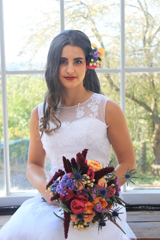 Emma_rosalineflowers_colourfulbouquet_butterflyretreats_redhillwedding.jpg