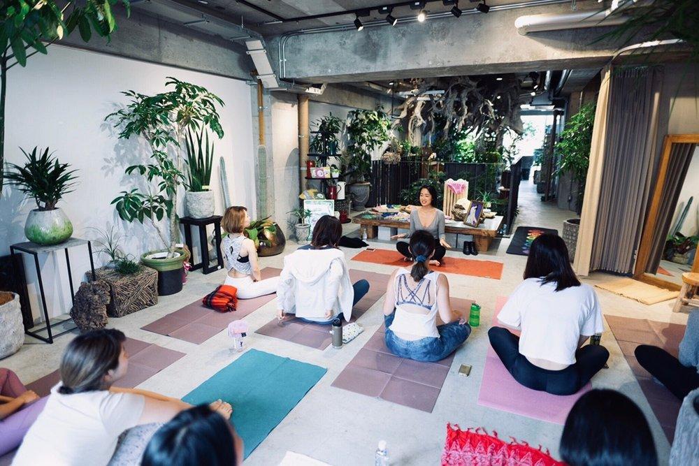 Floral Yoga 1118_181130_0012.jpg