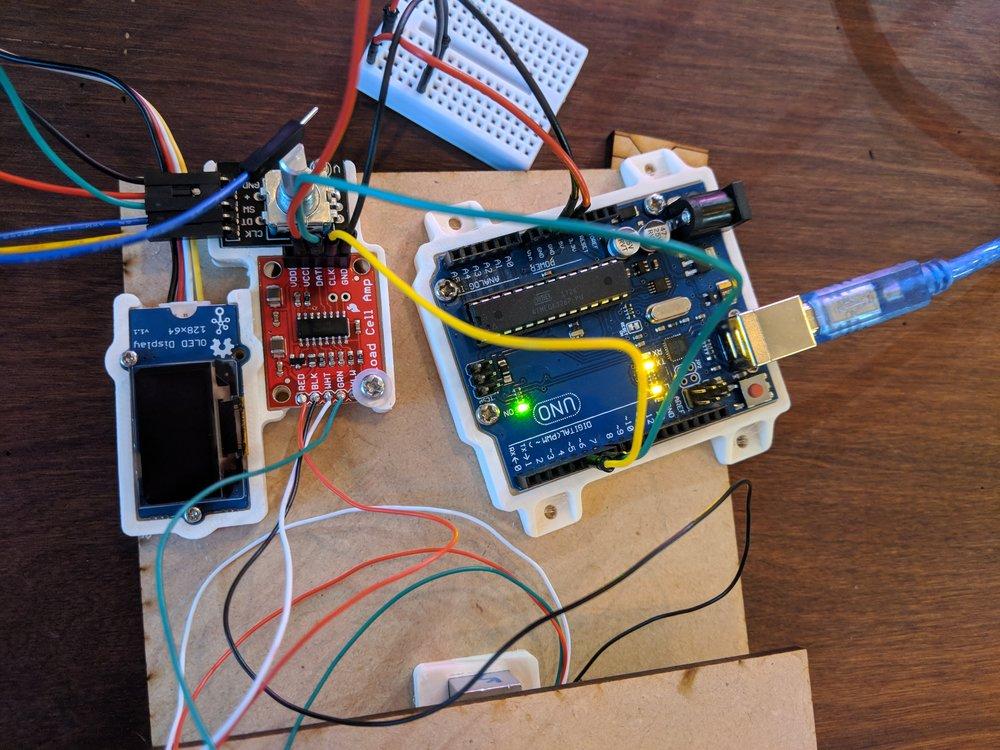 Arduino初体験 - Arduinoを体験しましょう。こちらのワークショップでは、Arduinoとサーボモーターを使って簡単なロボットを作ります。