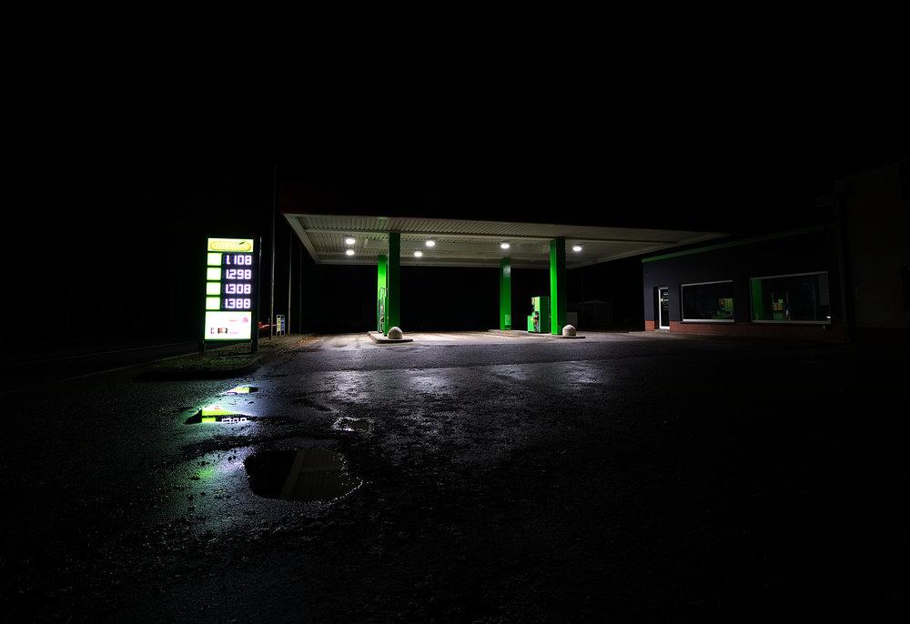 Tankstelle_nachts_1.jpg