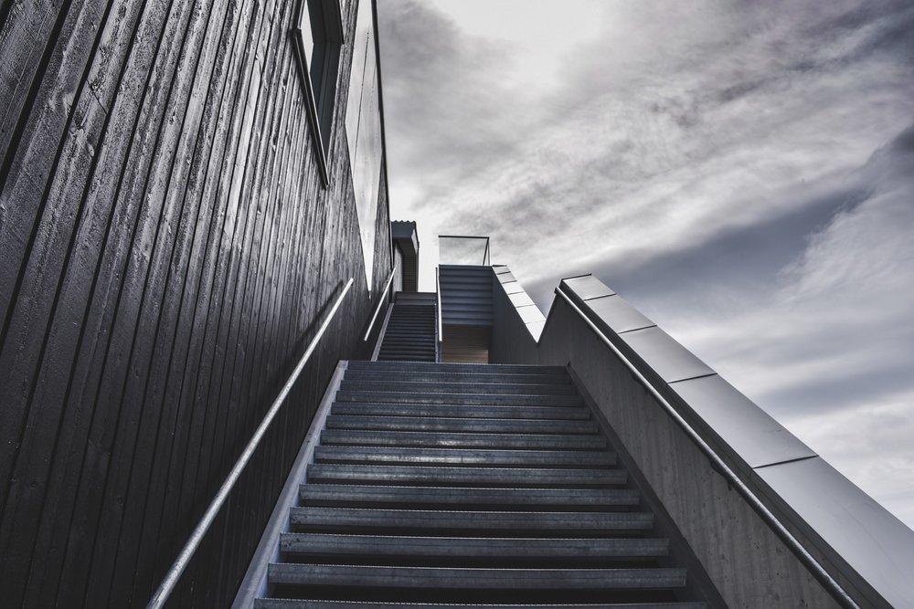 stairs-918735_1920.jpg