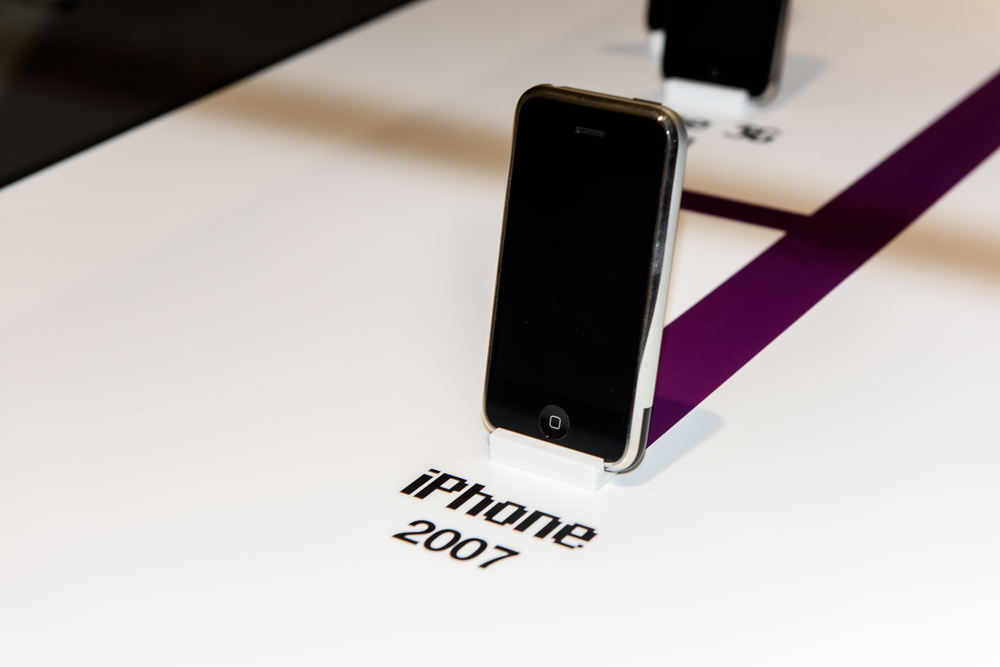 iphone 1rst generation.jpg
