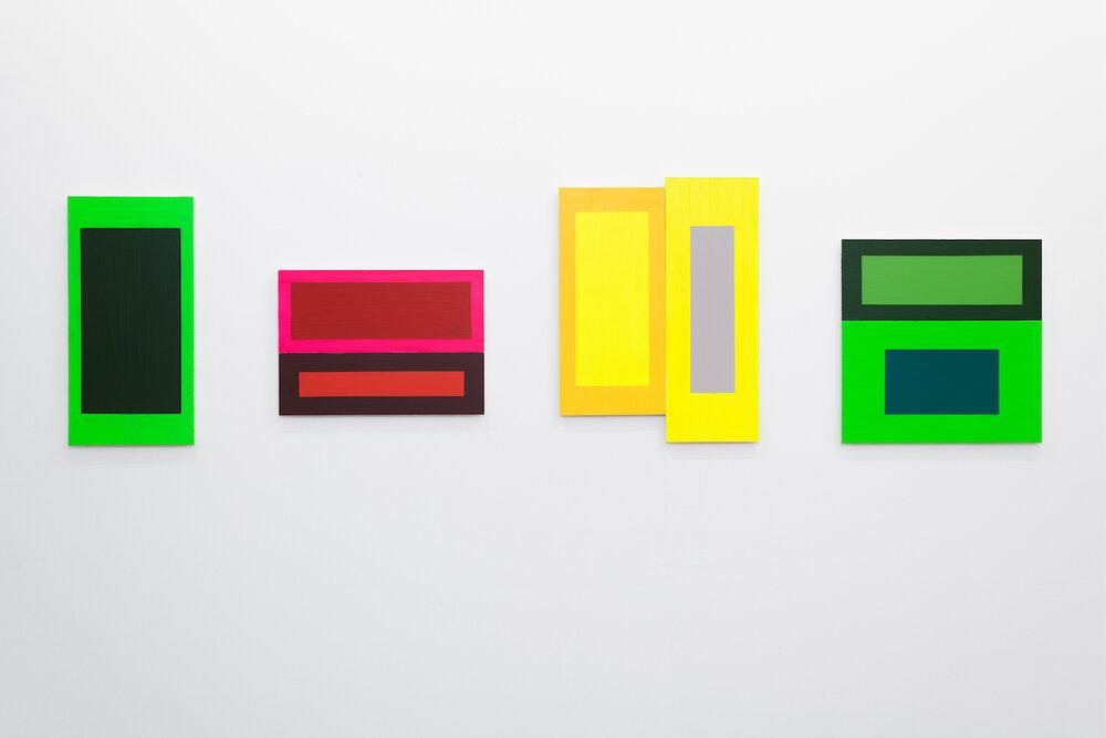 Alternation , 2019 Acrylic on MDF, 60 x 285 cm  Et maleri er et dikt uten ord , 2019, Akershus Kunstsenter, Lillestrøm, Norway