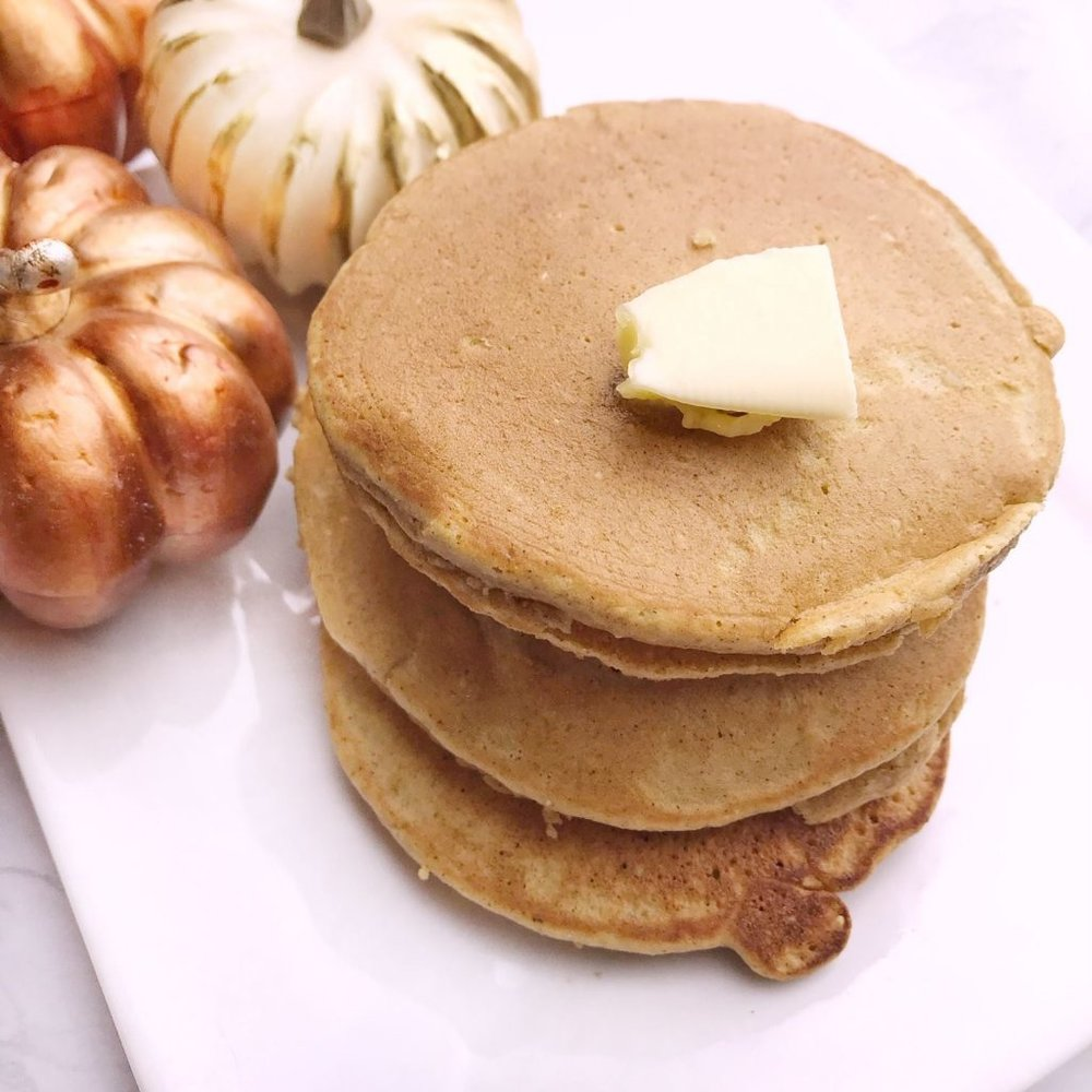 healthy pumpkin pancakes!.jpg