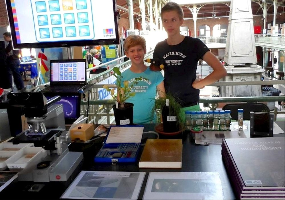 Gerlinde's nephews helped out at the Soil Biodiversity stand in Brussels, EU Researchers' night 2013