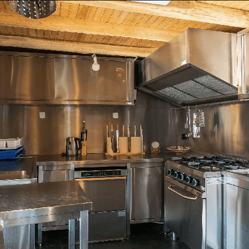 company-retreat-kitchen.jpg