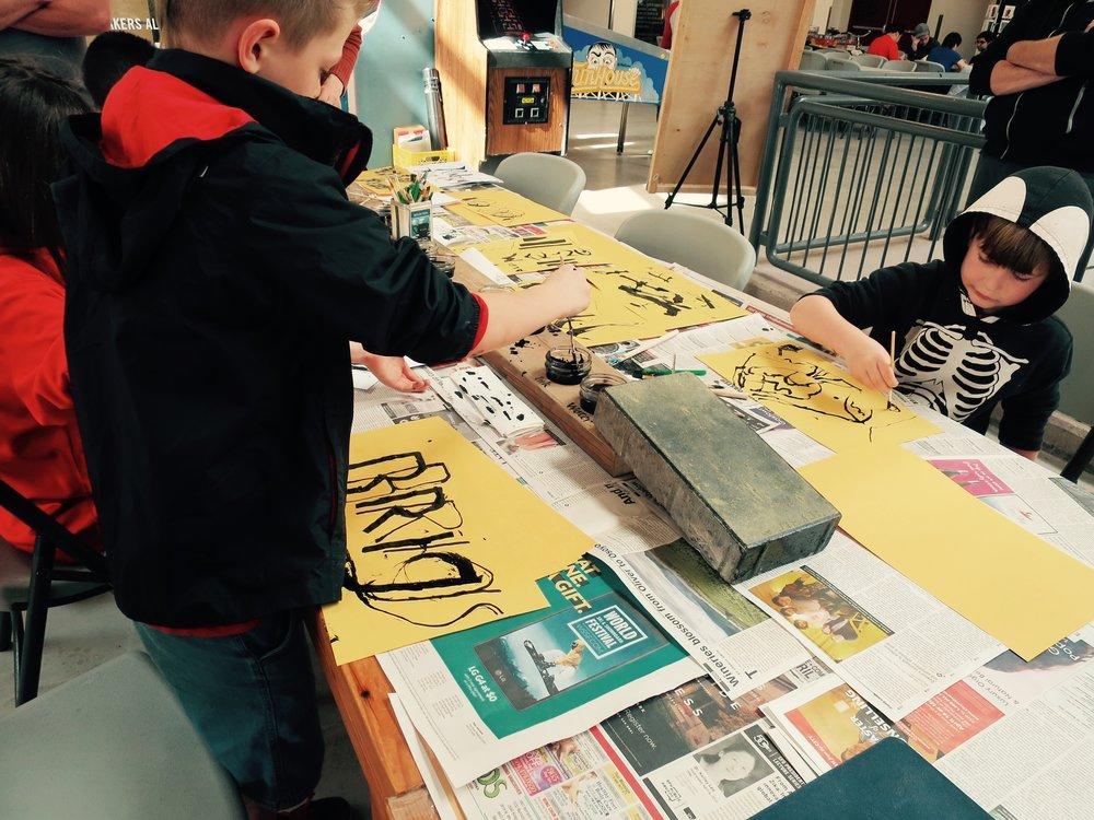 mark-making-workshop-by-martin-reisle-mr-scripsit---calligraphy--design_25770414484_o.jpg