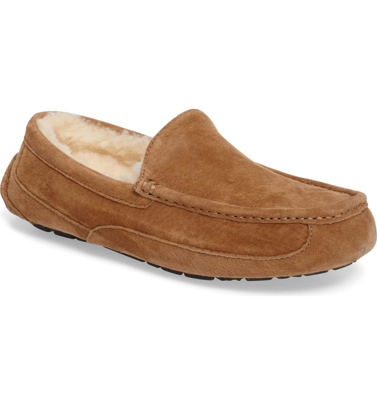 ugg ascot - Every guy needs a good pair of slippers, these uggs are always a good idea!