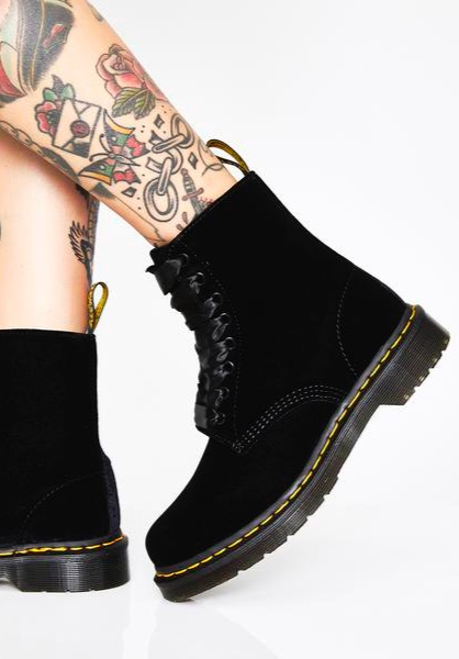 Velvet dr. martens - You can never go wrong with Dr. Martens I love this velvet pair for the fall and winter, i've had my boots forever and i'm still obsessed!