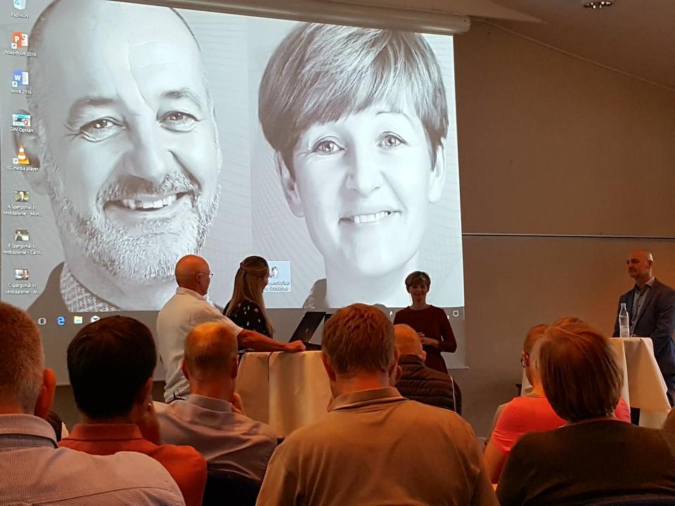 Det første af fire debatmøder mellem kanddidaterne til formandsposten i DGI, Charlotte Bach Thomassen og Mogens Kirkeby, fandt sted i Viborg den 6. september. Til venstre ses ordstyrerne Søren Riiskjær og Stine Bjerre Mortensen.