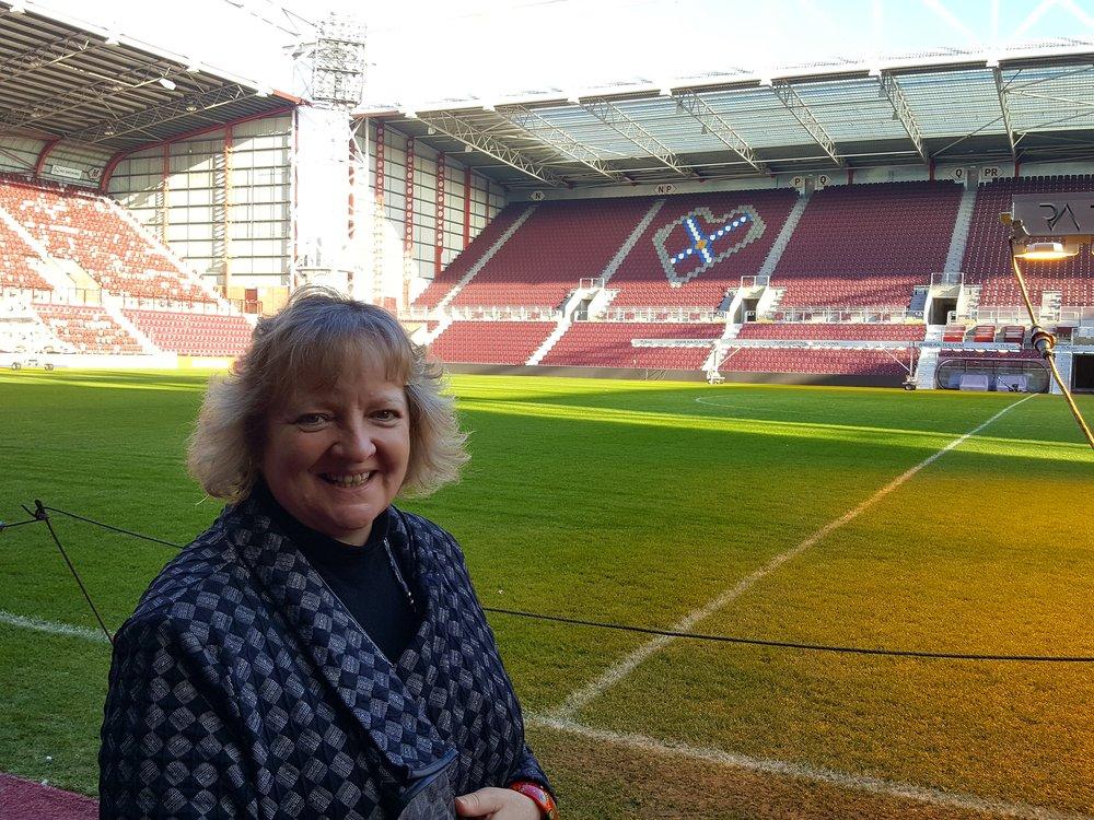 Tynecastle Park. Ann Park er særligt stolt af den splinternye tribune i baggrunden, som er medfinansieret af bidrag fra klubbens tilhængere, og som klubben er fast besluttet på at gøre til et samlingspunkt for aktiviteter for lokalsamfundet - også uden for kampdagene.  Foto: Henrik H. Brandt