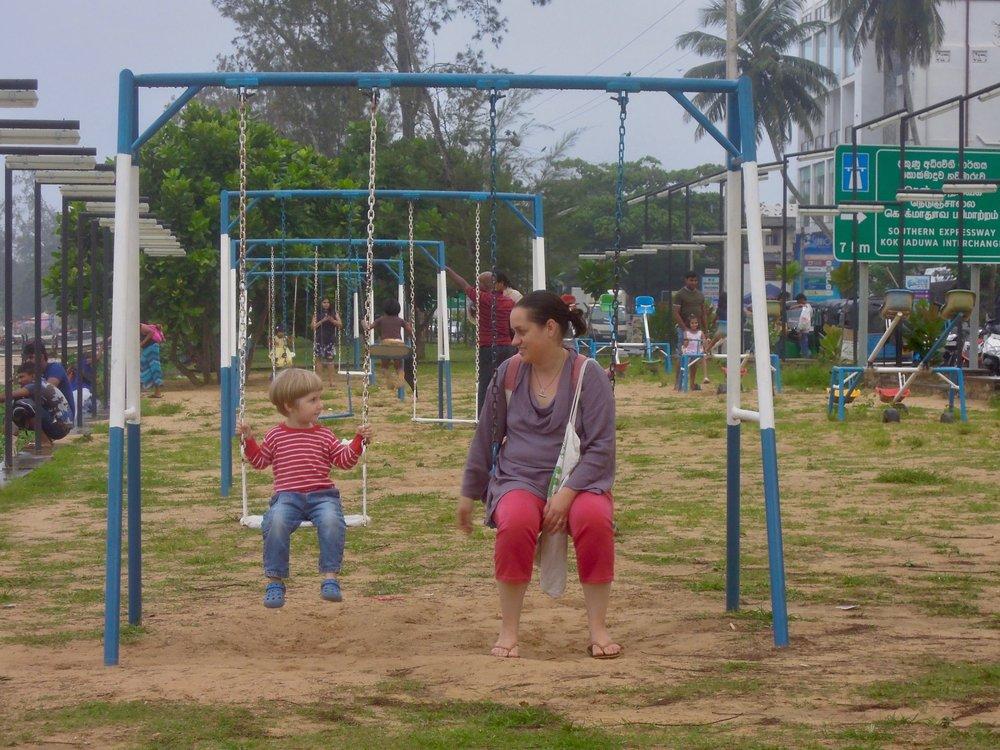 Játszótér, Weligama, Srí Lanka. Fotó © Vasas András