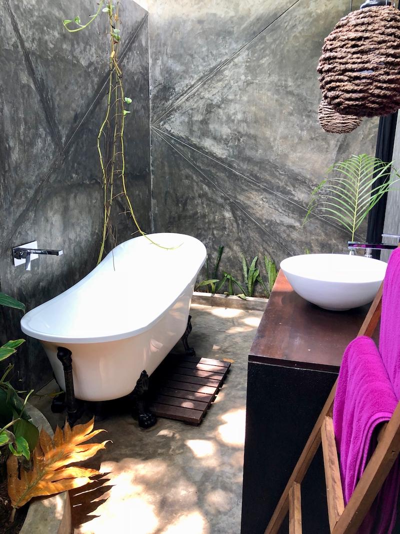 A béke szigete, főleg ha az ember 5 éve nem volt egyedül a fürdőszobában. Good Spa Weligama, 2018. Fotó © Molnár Szilvia