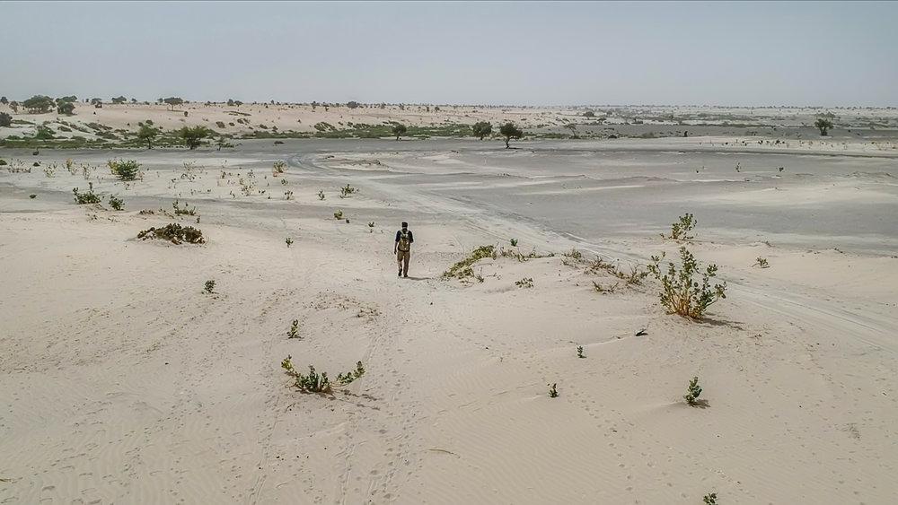 Bare desert around lake Chad  (1).jpg