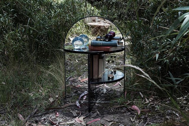 Mesa de noche by @studio.celeste coleccion Nébula.  #furniture #mirror #marble #forest #art #design #reflection