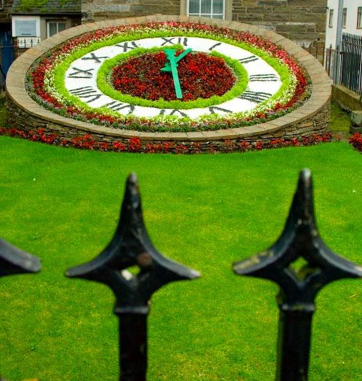 Wick+Flower+Clock