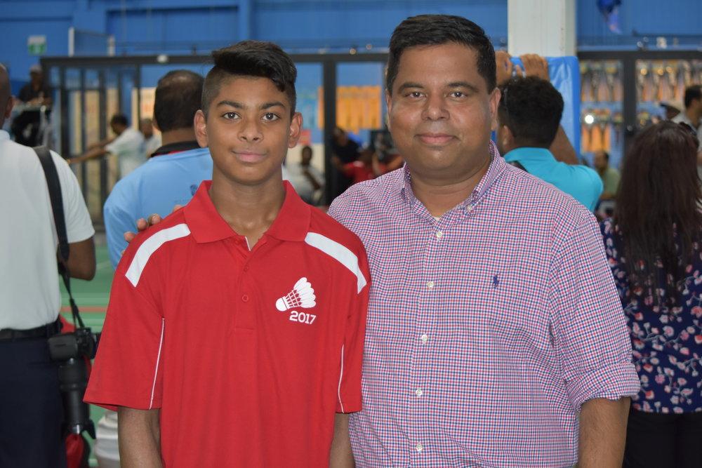 Mr. Garry Anandasangari with Arjun Thuraisingam at WTBF Tournament