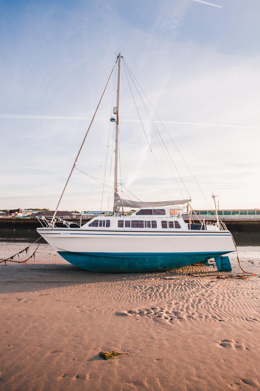 Yacht 2, shoreham-by-sea, sussex, uk 2016