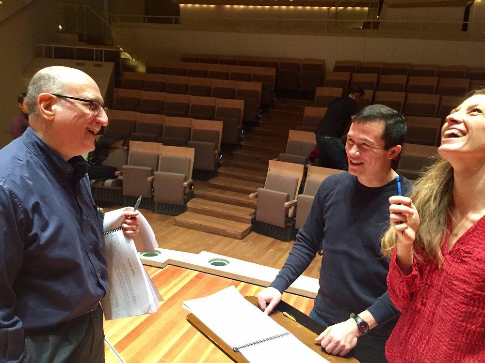 Berliner Philharmoniker rehearsal, Raphael Mostel, conductor Stanley Dodds and pianist Helen Collyer - photo by narrator Hans-Jürgen Schatz