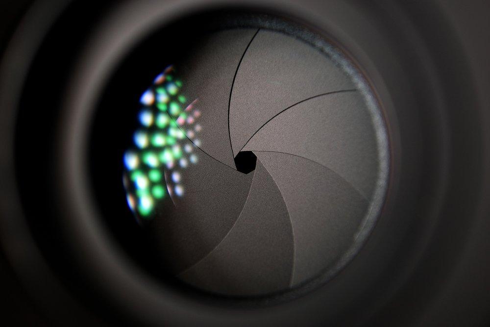 camera-lens-2246472_1920.jpg