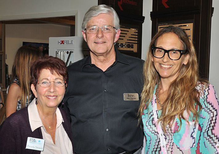 Mike Peterson of Luxe Magazine, flanked by  moi  and Beverly Stewart, IFDA South Florida's VP of Events.  Photo: John Stillman Photography/courtesy LUXE.