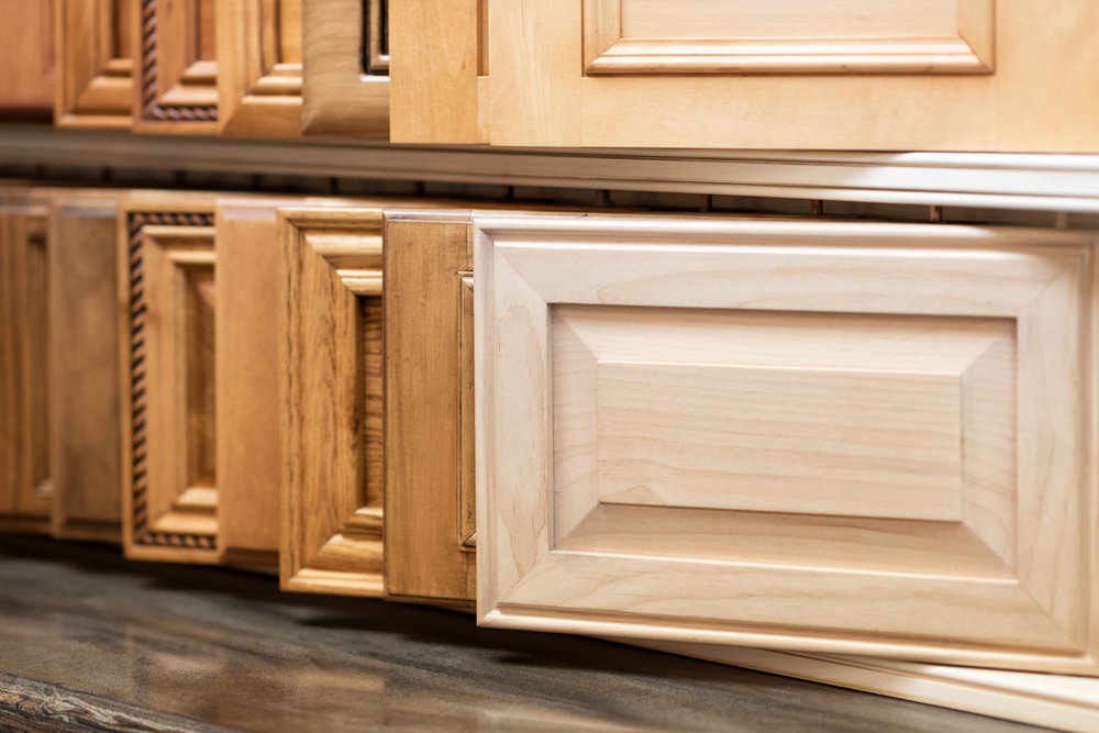 Cabinet door with edge detail