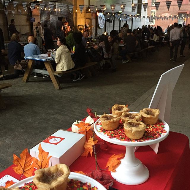 Your new favourite treat is @dumbobid #oktoberfest tomorrow Saturday, October 6 from 1 PM to 10 PM. #dumbobkarchway #dessertlovers #foodielove #nyceeeeeats #newdessert #perfectfallday #brooklynevents #bakefromscratch #whoneedspumpkinpieanyway #eatingfortheinsta