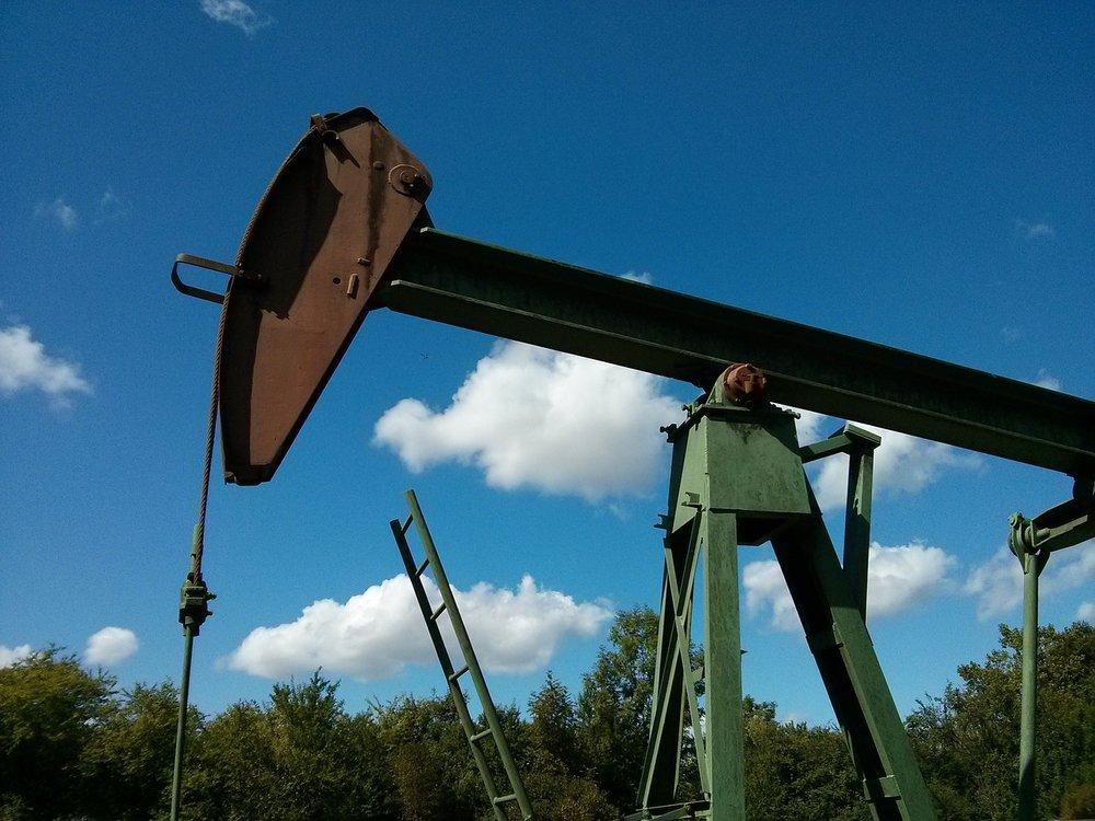 oil-752566_1280-6.jpg
