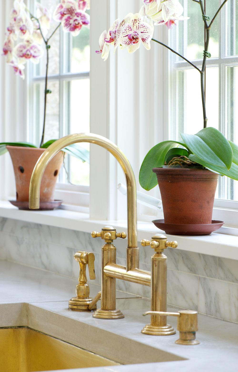 Plant-ledge-faucet-details