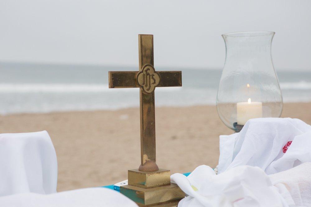 Cross on Table Beach BG sm.jpg