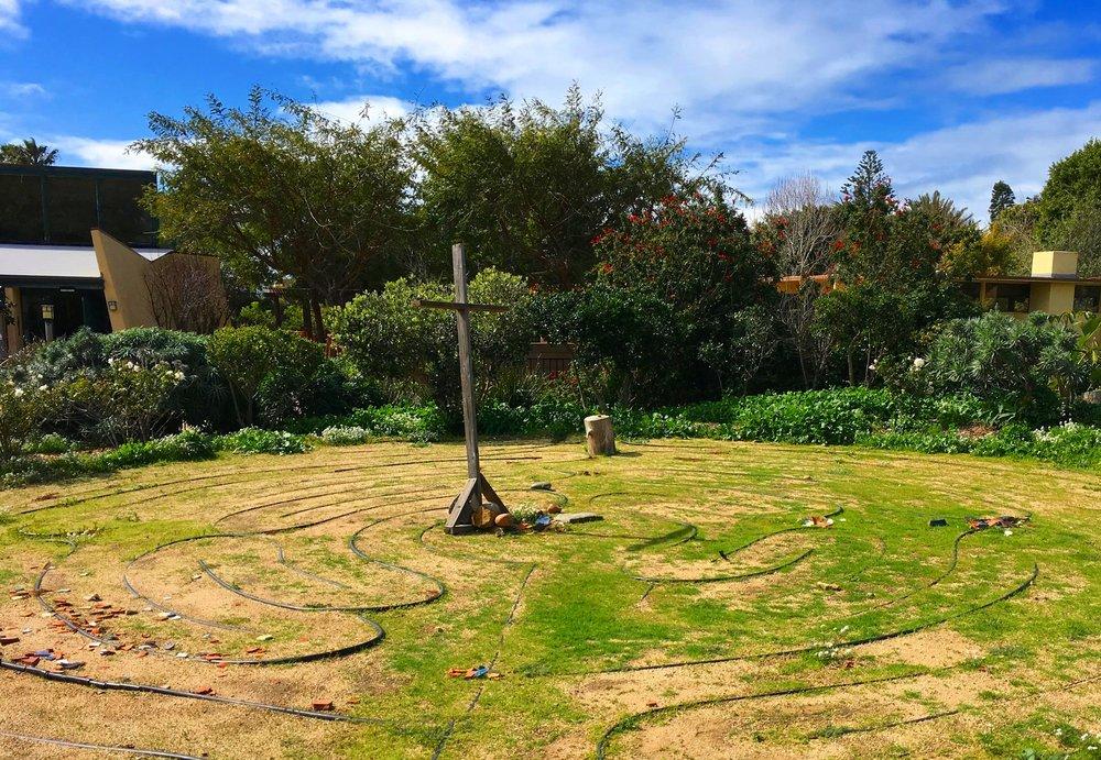 Labyrinth+green+grass.jpg
