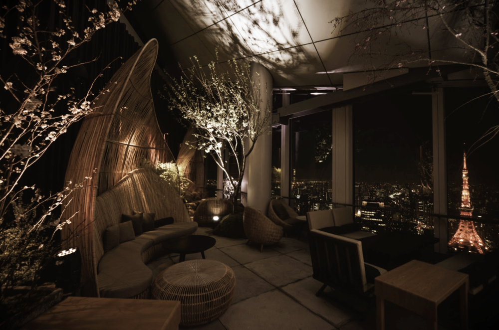 BAR & CLUB_  ANDAZ ROOFTOP BAR.  #Rooftop #Bar #View #Andaz #TonaromonHills   https://www.andaztokyo.jp/restaurants/en/rooftop-bar/