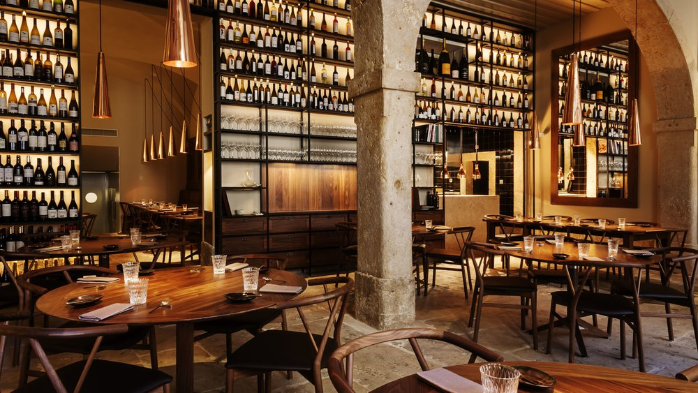 EAT & DRINK_  ALMA.  #HotSpot #Michelin #BestOf #FineCusine #Fusion   https://www.almalisboa.pt/pt