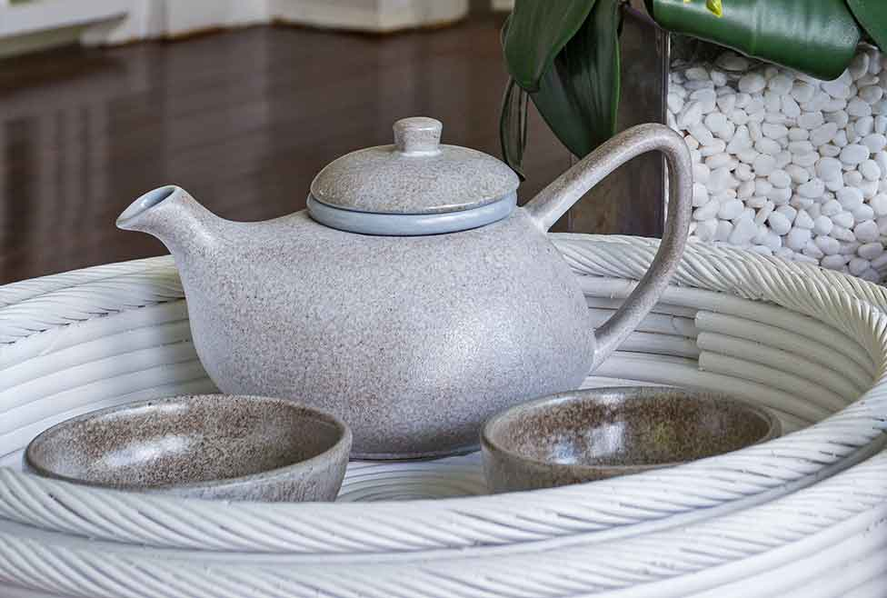 Lovely Ceramic Teapot - Made by hand crafted using a combination of traditional and modern techniques on the island of Bali, this lovely ceramic teapot make a beautiful addition to any tea set.