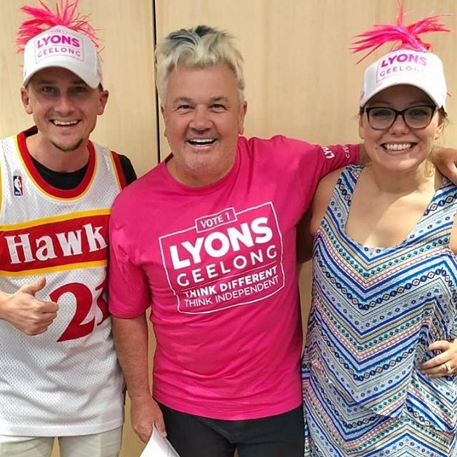 Was great to hang out with the @krockgeelong team yesterday! They think our merch is killing it! @sarahmareelife @tom_on_krock #krock #livelovegeelong #pinkarmy #thinkdifferent #thinkindependent #geelong #visitgeelong #springst