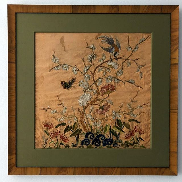Finally this #19thcentury #kimono #silk #embroidery got the #frame it deserves. So #happy looking at it and the #history. #antiquetextiles #theydontmakethemlikethisanymore #birds #flowers #butterflies #peonies #vintage #peony #nature #stilllife